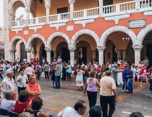lively street scene in Merida dancing