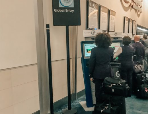 global entry process kiosks at airport